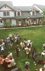 Co-housing: una parola moderna per una pratica antica.